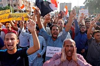 بالإمس إنتخبوهم واليوم يتظاهرون ضدهم!/بقلم:علي الكاش 7201814123720492998117-1